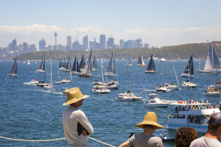 Group man watching the Sydney to Hobart Boxing Day yacht race from Sydney 2000 non-ccc dnsw special event