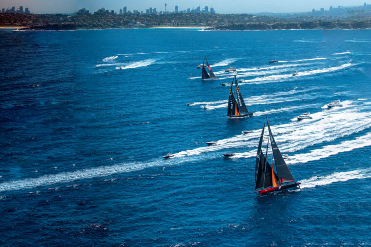 Boxing Day sailing boats racing towards the heads